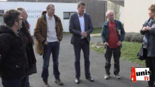 La Laigne. La visite de Yannick JADOT député EELV attise le feu entre pro et anti-bassines