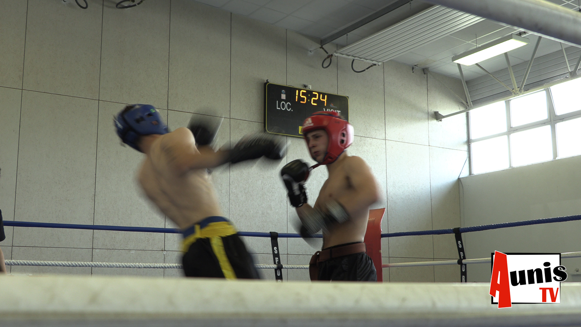 Full contact kick boxing combat La Rochelle