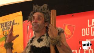Festival TRIBAL ELEK 2019. Incroyable interview du clown préhistorique PA A AAA AAAAA AA AA