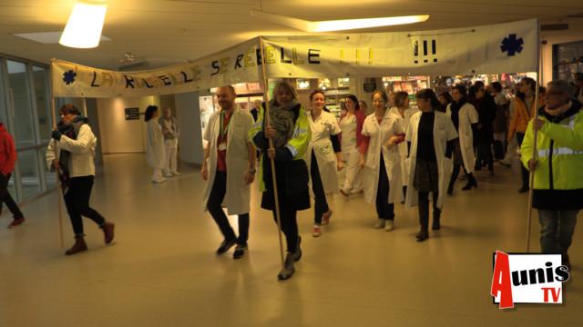 Centre hospitalier La Rochelle manifestation arrrêt cardiaque
