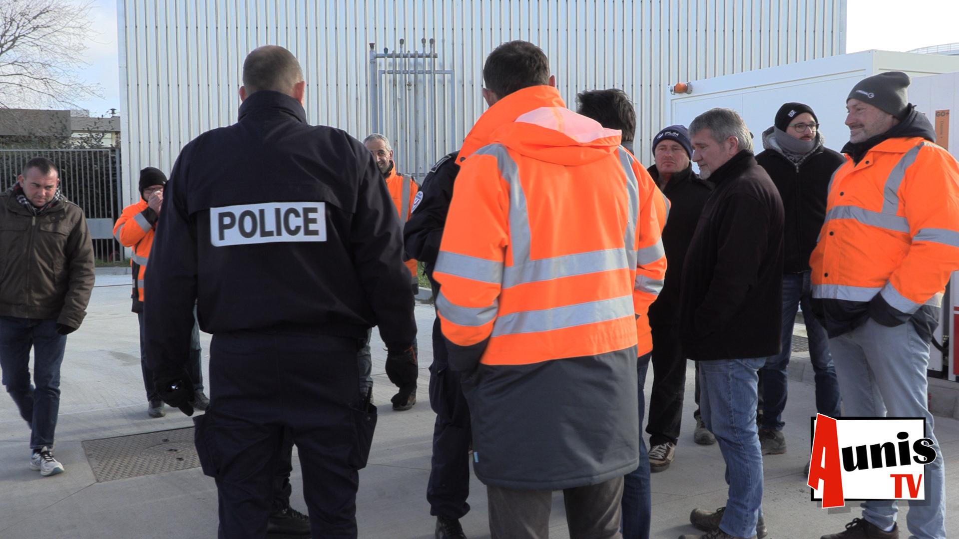 Dépôts de carburant libérés police GNR La Rochelle BTP