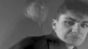 """""""Bouts de verre"""", veut sensibiliser le grand public sur les violences faites aux enfants"""