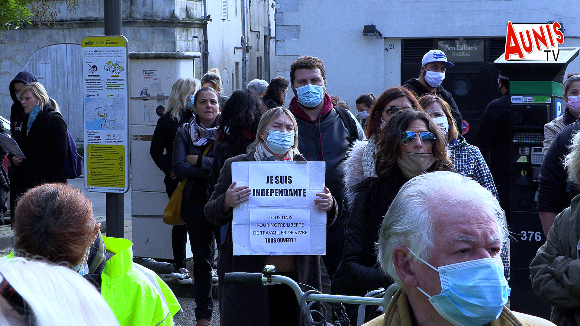 Commerçants manifestation La Rochelle confinement