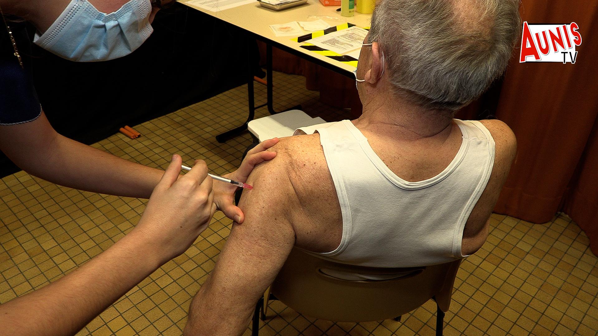 vaccin Pfizer vaccination centre Marans Aunis
