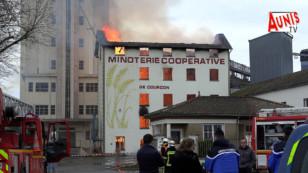 Courçon : le moulin de la minoterie ravagé par un violent incendie